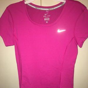 XS Pink, Reflective, Dri-Fit Nike shirt